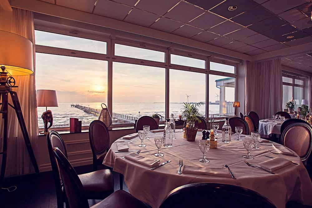 Vacker solnedgång till konferensmiddagen på Falkenberg Strandbad