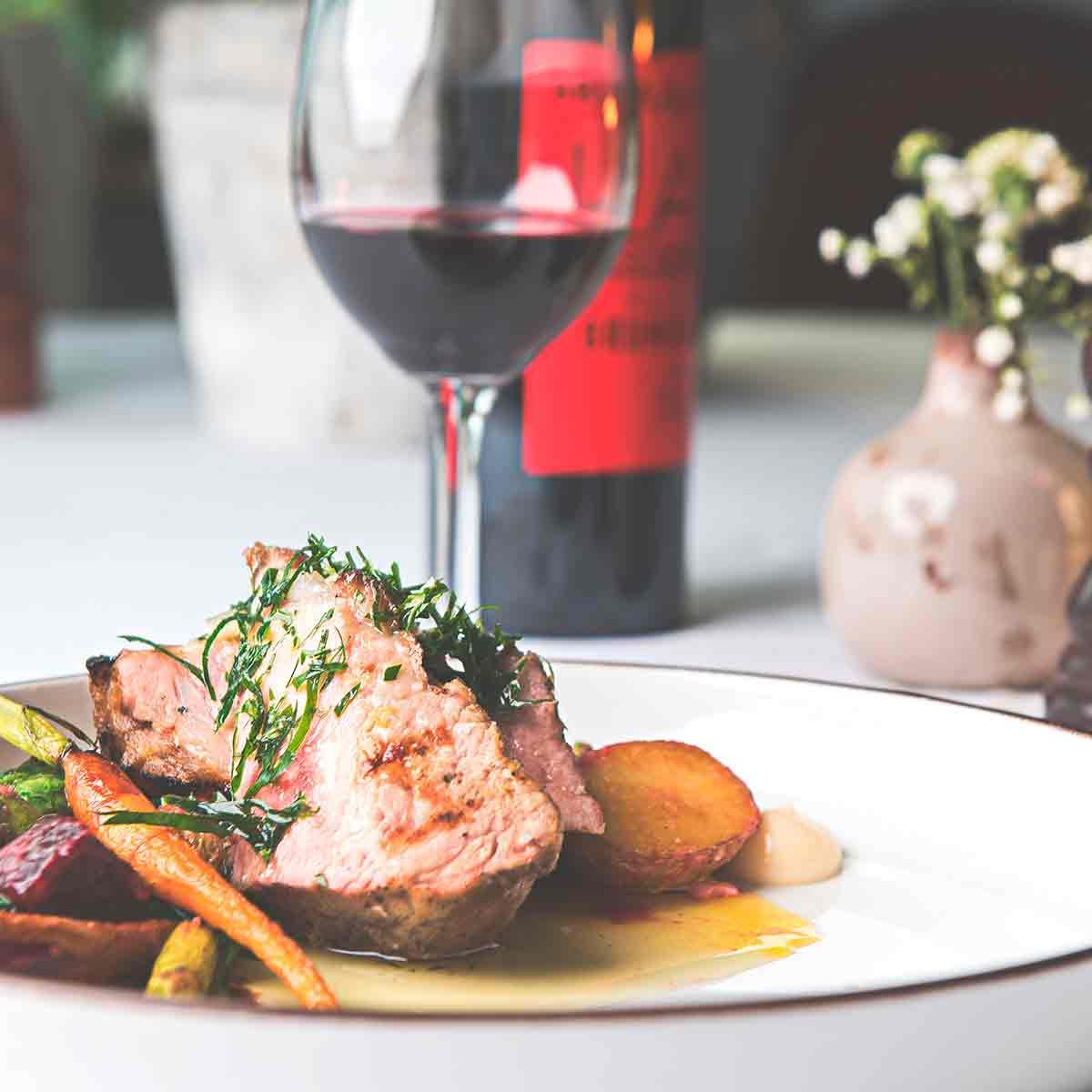 Vi på Falkenberg Strandbad tycker att varje konferens bör kompletteras med en god middag