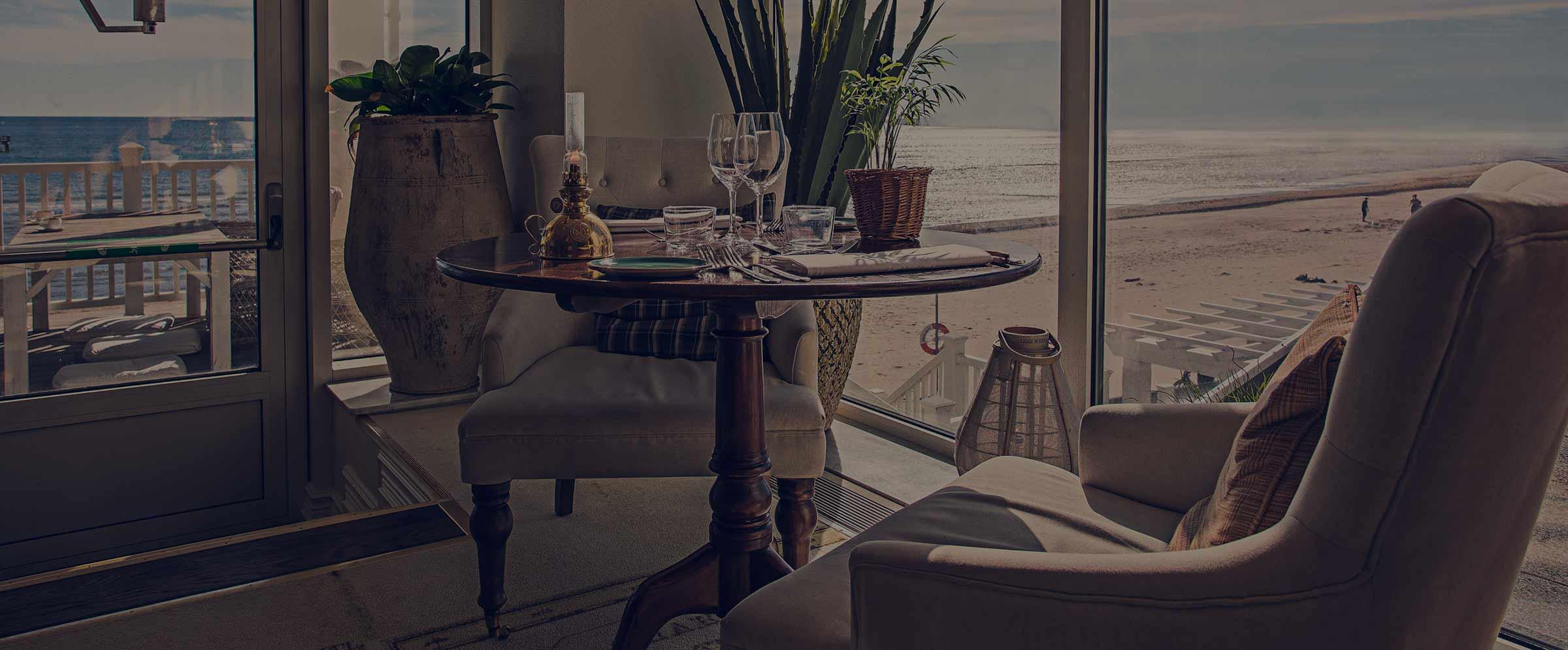 Boka bord på restaurang Famille på Falkenberg Strandbad
