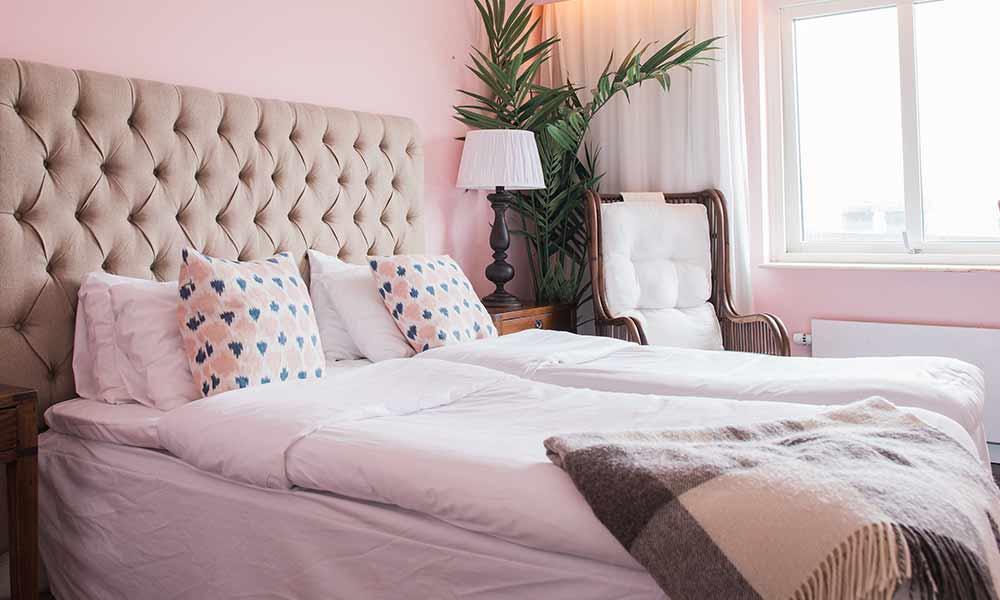 Boka en hotell-natt i standardrum på Falkenberg Strandbad