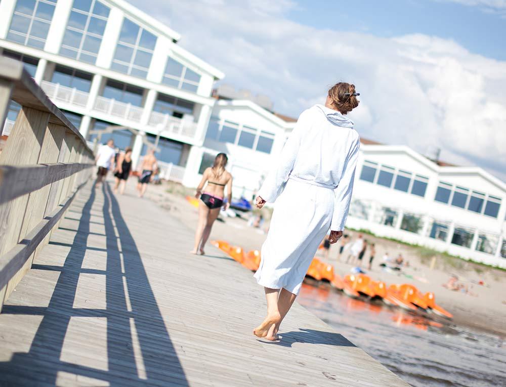 Skön relax i solen på Falkenberg Strandbad